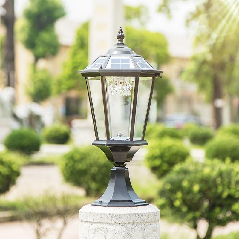 Spiked straight-sided solar wall lamp with large suction wall